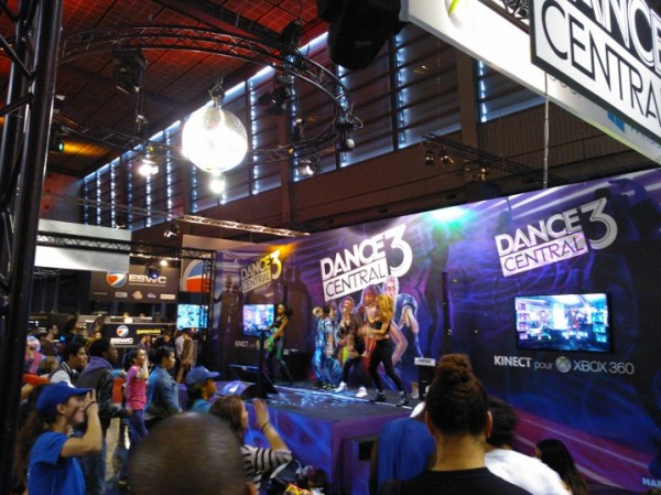 http://www.eatart.fr/wp-content/uploads/2012/11/Eat-Art-Paris-Games-Week-2012-Dance-Central-3-e1352772148698.jpg