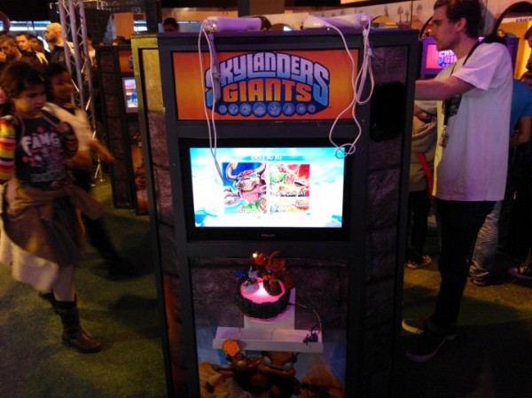 http://www.eatart.fr/wp-content/uploads/2012/11/Eat-Art-Paris-Games-Week-2012-Skylanders-Giants-e1352772327706.jpg